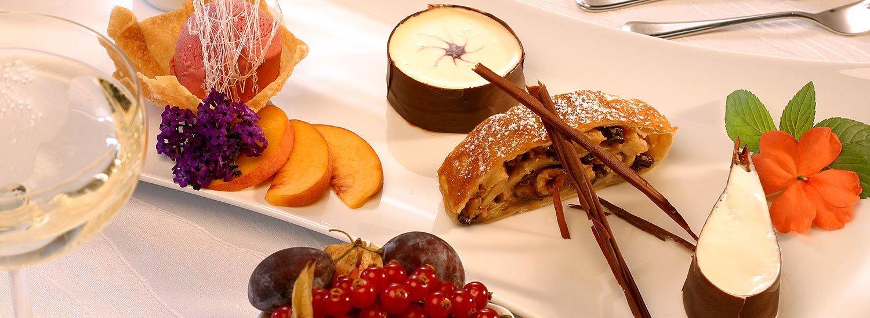 Süße Naschereien genießen im Restaurant »Jahreszeiten«