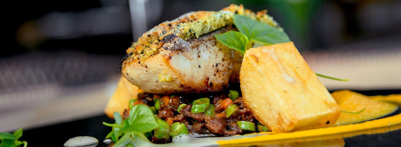 Fischspezialitäten genießen im Restaurant »Jahreszeiten«