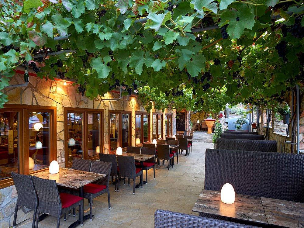 Terrasse Hotel Naheschlößchen & Restaurant »Jahreszeiten«